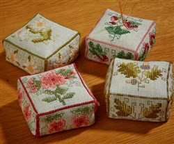 Pretty Boxed Pincushions
